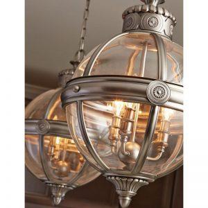 Adams ljuskrona med fyra ljuskällor